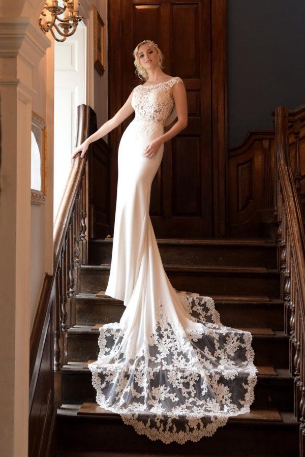 True Bride Phoebe 1 W325