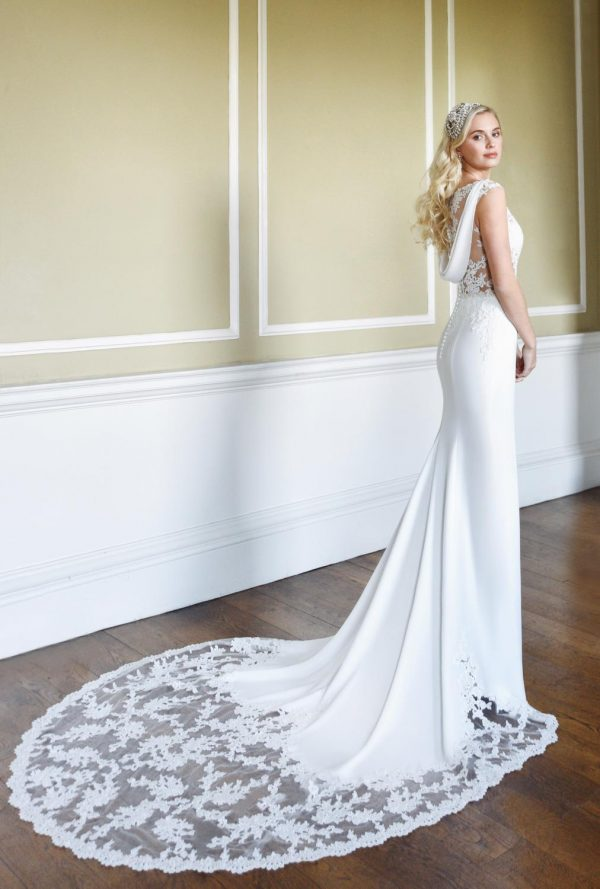True Bride Phoebe 2 W325
